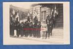 CPA Photo - Lieu à Identifier - Groupe D'anciens Combattants & Officier - Voir Uniforme Médaille Drapeau - Militaria