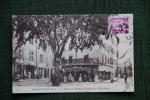 DRAGUIGNAN - La Place Aux Herbes Et La Rue D'Observance - Draguignan