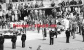 Reproduction D'une Photographie D'un Stand Aux 24 Heures Du Mans De 1958 - Riproduzioni