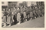 SCOUTISME Cholet Défilé De Scouts Place Travot Devant La Mairie - Scoutisme