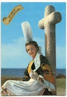 Jeune Fille En Costume De Bigoudenne, Région De Penmarch Et Saint-Guénolé - Anniversaire - écrite Non Timbrée - 2 Scans - France