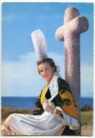 Jeune Fille En Costume De Bigoudenne, Région De Penmarch Et Saint-Guénolé - écrite Et Timbrée - 2 Scans - France