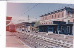 CARD PHOTO STAZIONE  TREVIGLIO (BERGAMO)   2 SCANNER -FG-N-2 -0882--24607-606 - Estaciones Con Trenes
