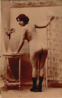 Femme Nue Debout De Dos - - Fine Nudes (adults < 1960)