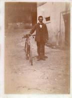 55Hys   Photo Originale Cycliste Velo Bicyclette Tacot Lieu à Identifier - Cyclisme