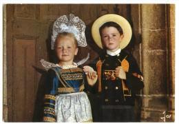 Enfants En Costume De La Région De Concarneau - écrite Non Timbrée - 2 Scans - Concarneau