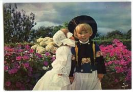 Sourire De Bretagne - Couples D´enfants En Costume De Cornouaille - écrite Et Timbrée - 2 Scans - France