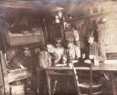 Photo Mars 1917 SAINT-LEGER (près Bapaume) - Soldats Allemands Dans Une Chambre (A122, Ww1, Wk 1) - France
