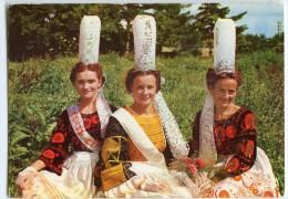 Folklore De Bretagne - Jeunes Filles En Costume BIGOUDEN - écrite Non Timbrée - 2 Scans - Bretagne