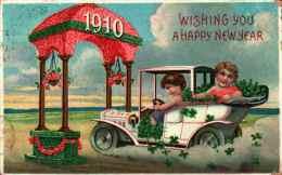 Année Date Millesime - 1910 - Enfants Dans Une Voiture Passant Sous Un Portique - Gaufrée, Embossed - Nouvel An