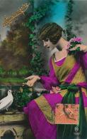 FEMMES - FRAU - LADY - Jolie Carte Fantaisie Portrait Femme Avec Fleurs Et Oiseau - Femmes