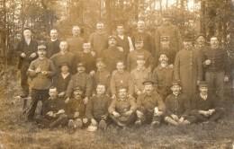 CPA 1654 - MILITARIA - Carte Photo Militaire - Prisonniers Français Camp De DULMEN Allemagne Pour MONTAILLE - Personnages