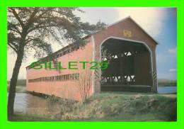 PONT COUVERT - VAL D'OR, QUÉBEC - PONT COUVERT  SUR LA RIVIÈRE VASSAN, CONSTRUIT EN 1941 & 1955 - JOCELYN NADEAU - - Ponts