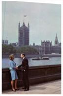 (151) QANTAS Airways Advetising Postcard - London Westminster Parliament House - Aviation