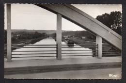 CPSM Pf. Dépt.02. VAILLY . Le Canal . Péniche . - Autres Communes