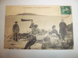 3lx - CPA - ILES SAINT MARCOUF - L'Ile Du Large Vue De L'Ile De Terre - [50] - Manche - - Sonstige Gemeinden