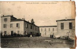 POUY DE TOUGES ,INTERIEUR DU CHATEAU,JOLI PLAN ANIME  REF 45322 - France
