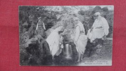 Algeria Mauresques A La Fontaine -  -ref --2057 - Unclassified