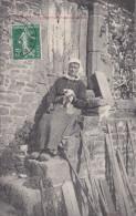50 Queron (Kairon) La Mère Cauvet Sur Son Perron Avec Son Chat - Frankreich
