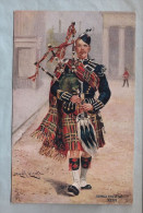 CPA - Militaria - The Scots Guards - Piper - Uniformes