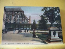 18 348 - CPA - BOURGES  - LE JARDIN DE L'ARCHEVECHE - EDITION LL N° 41 - ANIMATION - Bourges