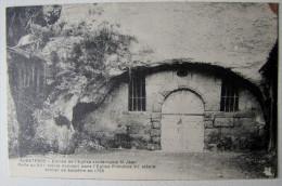 FRANCE - CHARENTE - AUBETERRE - Entrée De L'Eglise Souterraine - Autres Communes