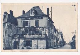 Cpa MARTEL Place Gambetta Nouvel Hotel Du Cheval Blanc COSTE Propriétaire - Marleux - Autres Communes