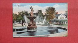 - Connecticut   Bethel  P.T. Barnum Fountain Ref --2058 - United States