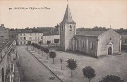 - 17 - SAUJON - L'EGLISE ET LA PLACE - - Saujon