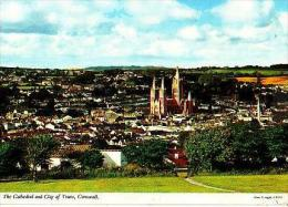TRURO     H13      The Cathedral And City Of Truro - Pays De Galles