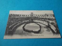 CPA         ARLES       FARANDOLE    PROVENCALE     AUX   ARENES                                          1912 - Arles