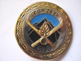 INSIGNE DE LA GENDARMERIE NATIONALE MONTAGNE EGM 26/6 GAP ETAT EXCELLENT - Polizia