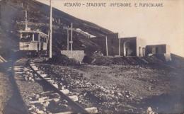 NAPOLI : VESUVIO - STAZIONE INFERIORE E FUNICOLARE - CARTE VRAIE PHOTO / REAL PHOTO - ANNÉE / YEAR ~ 1910 (t-147) - Napoli (Naples)