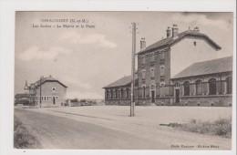 CPA - Giraumont - Les Ecoles - La Mairie Et La Poste - France