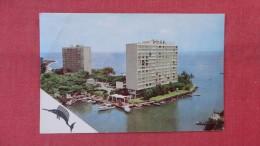 > Venezuela   Laguna Beach Stamp & Cancel Upper Corner Creaseref --2061 - Venezuela