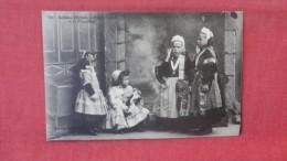 Costumes  Childrennref --2061 - Europe
