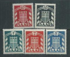 Sarre Occupation Française Service  N° 27 / 31 XX  Les 5 Valeurs Sans Charnière, TB - Service