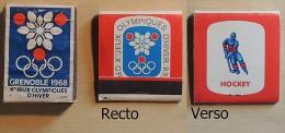 Boîtes Allumettes Anciennes : JO 1968 Grenoble - Jeux Olympiques - Boîte SEITA & Pochette TOTAL Hockey - Jeux Olympiques