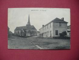 Cpa.r - Harcourt (27) - Le Village - éditions Dumont - Autres Communes