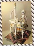 T855 MUSEE MONACO POUPEES PIANISTE HARPISTE VICHY PARIS 1870 AUTOMATE  2 SCANS - Musées