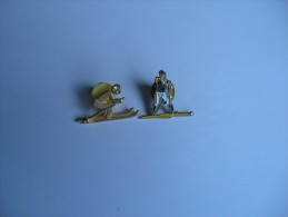 2 Pin's Skieur - Sports D'hiver
