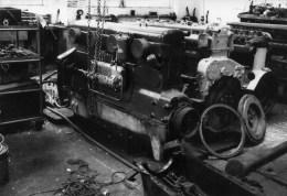 29 CARHAIX Atelier (Chemin De Fer) Moteur Willeme Pour Autorail OC2 Photo Originale Guy LAFORGERIE - Carhaix-Plouguer