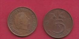 NEDERLAND, 1977, 2 Coins Of 5 Cent, Queen Juliana, Bronze, KM 181,  C3185 - [ 3] 1815-… : Kingdom Of The Netherlands