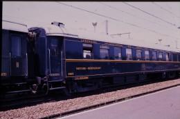 Photo Diapo Diapositive Train Wagon Locomotive Voiture Restaurant 4207 Cie Grands Express Européens VOIR ZOOM - Diapositives