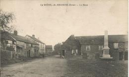 61 LE MENIL DE BRIOUZE La Place - Autres Communes