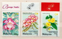 Malaysia MNH Set And SS And 8 More Items For Yannit - Flora