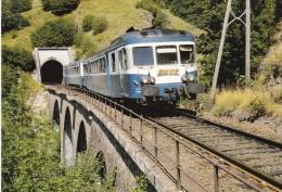 CPM LE RAIL USSELLOIS N°347 Autorail X 2881 XR 6014 Viaduc De Neyrevèze. 15 - Trenes
