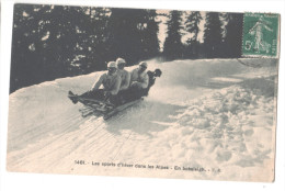 Cp France LES ALPES Les Sports D'hiver Dans Les Alpes En Bobsleigh (05 Hautes Alpes) ER - Gap
