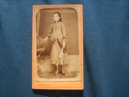 Photo CDV Juinier  - Jeune Fille En Pied Avec éventail (adrienne Salvat) Circa 1875 L229 - Foto