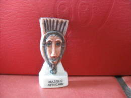 f�ve masque africain s�rie Africa  2002 - f�ves - rare